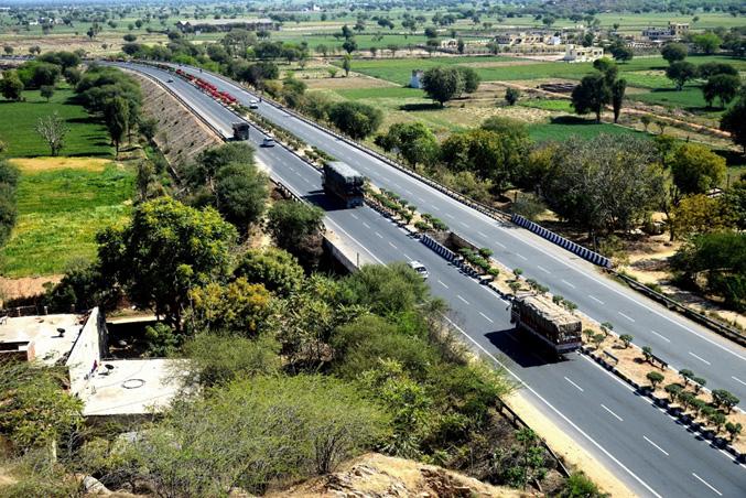 Jaipur(ジャイプル) Mahua(マフア) Tollways(トールウェイ) (次頁図(1)、本線上空より)のイメージ画像